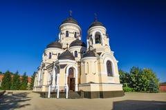 冬天教会在卡普里亚纳修道院,摩尔多瓦共和国里 免版税库存图片