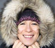 冬天敞篷的妇女 图库摄影