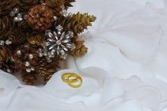 冬天新娘的婚礼花束 图库摄影