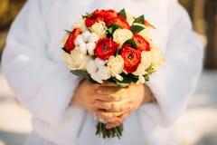 冬天新娘花束 库存照片