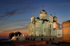 冬天日落的庄严Dormition大教堂 库存照片