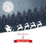 冬天有圣诞老人乘驾的圣诞节森林 免版税图库摄影