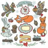 冬天森林地 鸟, hore,狐狸,木装饰 免版税图库摄影