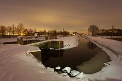冬天河在晚上 图库摄影