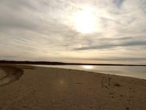冬天海滩和天空风景 免版税库存图片