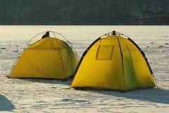 冬天渔夫的帐篷 库存图片