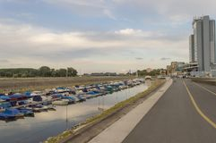 冬天港口和散步 图库摄影