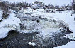 冬天瀑布小瀑布在阿尔蒙特 库存图片