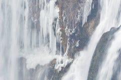 冬天瀑布风景 免版税库存图片