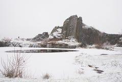 冬天玄武岩形成Panska skala,接近的Kamenicky Senov在捷克 库存图片