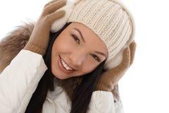 冬天的美丽的微笑的妇女 库存图片