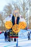 冬天肖象在全国俄国样式的城市假日M 免版税库存照片