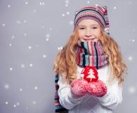 冬天衣裳的女孩 图库摄影