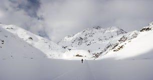 冬天谷的,奥地利滑雪者 免版税库存图片