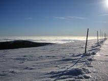 冬天越野滑雪路线 免版税库存照片