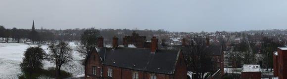 冬天都市风景,利兹,西约克郡,英国 免版税库存照片
