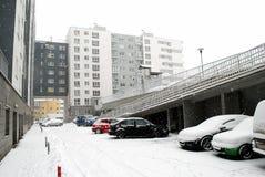 冬天降雪在立陶宛维尔纽斯市Pasilaiciai区的首都 免版税图库摄影