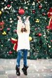 冬天雪乐趣欢乐的心情孩子 免版税库存图片