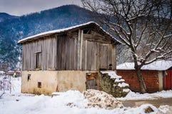 冬天雪的乡下村庄 图库摄影