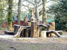 冬天雪的,Chorleywood共同性木玩耍区域小室 图库摄影