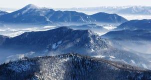 冬天风景在国家公园Mala Fatra和国家公园低Tatras,斯洛伐克 免版税库存图片