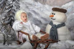 冬天风景的婴孩 免版税库存照片