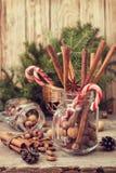 冬天香料和成份烹调的 库存图片