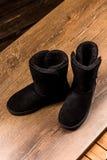 冬天黑色鞋类顶视图  库存照片
