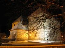 冬天水塔夜视图  免版税库存照片