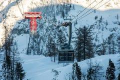 冬天滑雪驻地 免版税库存照片