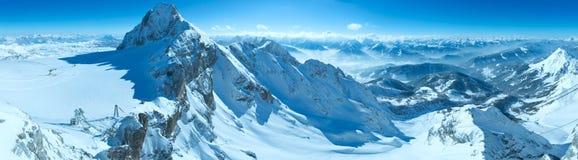 冬天Dachstein山断层块全景 免版税库存图片