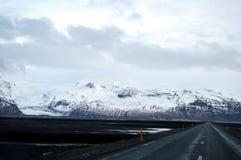 冬天Roadtrip在冰岛 库存图片