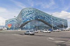 冬季体育冰山宫殿在索契奥林匹克公园 免版税库存照片