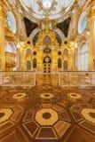 冬宫偏僻寺院的盛大教会在圣伯多禄 图库摄影