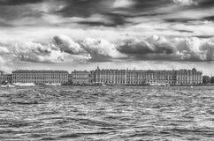 冬宫的看法,埃尔米塔日博物馆,圣彼德堡,鲁斯 库存图片