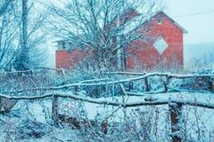 冬日,雪,鹿,房子, fence_ 免版税库存图片