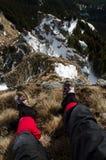 冬时的山旅客 免版税库存照片