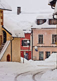 冬时的Koetschach-Mauthen奥地利村庄与snowfal 免版税图库摄影