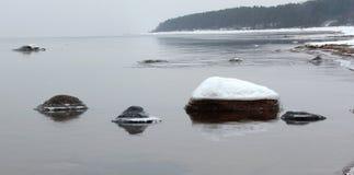 冬时里加在绍尔克拉斯蒂附近的墨西哥湾海岸 库存照片