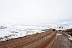冰冷的山路 免版税库存照片