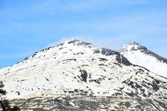 冰冷的山顶在喜马拉雅山 免版税库存图片