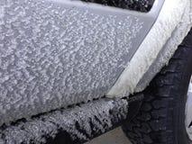 冰冻结对汽车旅行 库存图片