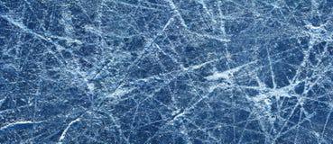 冰在一滑冰场的纹理,全景 免版税库存照片