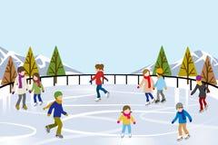滑冰在自然滑冰场的人们 库存照片