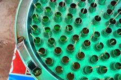 水冻冰块制造商铝坦克  免版税库存图片