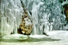 冰少许针瀑布 免版税库存图片