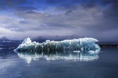冰山冰岛jokulsarlon盐水湖 免版税库存照片