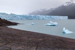 冰山在佩里托莫雷诺El Calafate阿根廷 库存图片