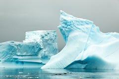冰山在Antartica 库存图片