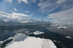 冰山横向 免版税库存图片